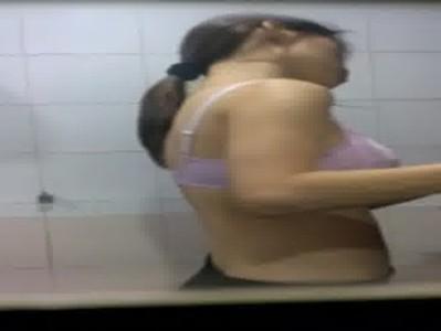 อาบน้ำ ห้องน้ำ สาวสวย นมใหญ่ นมโต
