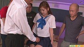 คลิปโป๊ญี่ปุ่นลงแขกเป็นสิบคาห้องเรียนJavmostขึ้นครูxXxคาโต๊ะนักเรียน แหกขาเป็นตัวเอ็มเลียแหย่หีแล้วกระแทกซอยเรียง