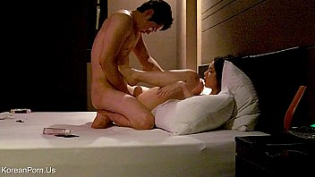 Spy Cam ดาราแอบอึ้บกันที่โรงแรมเมืองเกาหลี หน้าสวยพร้อมหนุ่มอ้ปป้ากระแทกนักเต้นสาว แหกหีรอควยพี่เค้ามาเสียบ