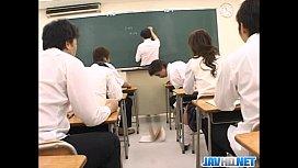 หนังโป้ญี่ปุ่น ครูสอนเสร็จ ลงแขกข่มขืนเพื่อนสาว av เขียหีเล่น เธอดิ้นไม่ได้ หื่นทั้งห้อง วันนี้หีบานตายๆๆ