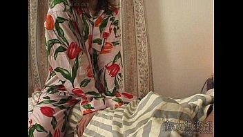 แอบเย็ดกลางดึก อมสด หีขนดก หนังญี่ปุ่น ผัวเมีย