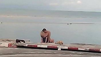 """ฝรั่งเย็ดXXXข้างชายหาดที่ """"เกาะสมุย"""" ออกข่าวดัง ผมรักเมืองไทยแต่เอากันกลางแจ้งขนาดนี้ ดังเปรี้ยงป้างข้ามคืน ซอยหีไม่เกรงใจคนอื่นอยากแจม"""