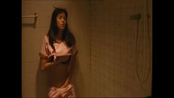 ฉาก xxxx อุ้ม ลักขณา เมื่อยังสาวรับบทช่วยตัวเองในหนังดังไทยในห้องน้ำ เขียหีพร้อมเสียงครางเสียวๆ เสียงไทยแม่เจ้า ควยแข็งเลยฮะ