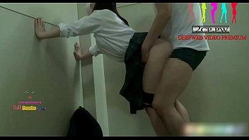 JAPANPORN ยืนเด้าหีท่าหมาแอบเอาหลังเลิกเรียน เปิดซิงนักเรียนสาวเกรด 7 หีอูมฟิตๆ มาแนวแอบเย็ด