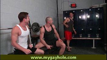Pornหนังโป๊เกย์สวิงกิ้งหนุ่มหล่อล่ำบึกควยใหญ่ในฟิตเนส ออกกำลังกายเสร็จ ออกกำลังควยต่อ น้ำแตกคาตูด