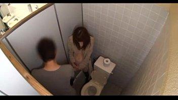 javxxx พามาเย็ดในห้องน้ำ เธอๆขายรึเปล่า เรามีเงินพร้อมจะเปย์หีอยากเห็นหีพาเข้าห้องน้ำล่อแถมแอบถ่ายโป๊