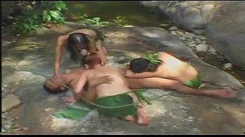 เบื้องหลังหนังอาร์xไทย ทาร์ซาน แสดงโดยน้องแอร์ สาวหีเหล็กกระเทียมเจียว ขึ้นควยเย็ดกลางป่า จุดว่าหาดูยาก 100%