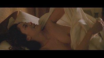 ฉาก18+ หนังฝรั่งโบราณ เปิดนมดาราหลังตื่นนอนกับผัว จากการโดนเย็ดหีเมื่อคืนนี้ นมเนียนผิวขาวน่าไซ้จับปล้ำ