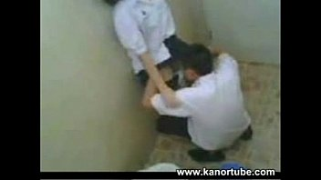 คลิปxxแอบถ่ายนักเรียนมอปลายหัวเกรียน แอบเย็ดแฟนในห้องน้ำ ล้วงหีเลียใหญ่ เงี่ยนจัดยกล้อขาเด้าหีเลยนะ