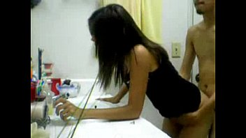 ในห้องน้ำ หีไทย หีนิสิต หีนศ ยืนเย็ด
