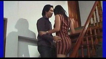 เริ่มต้นเรื่องด้วยการเกี่ยวเบ็ดเสียวหีในห้องน้ำ ผัวตามมาเย็ดต่อบนที่นอน Porn Thai Uncen เย็ดจริงไม่เฟค