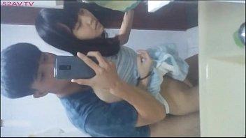 คลิปหลุดวัยรุ่นนักเรียนวัดสุทธิฉาว พาแฟนมาเด้าในห้องน้ำตอนพ่อแม่ไม่อยู่ เซลฟี่เย็ดท่ายืนxxฟินเลยจ้า