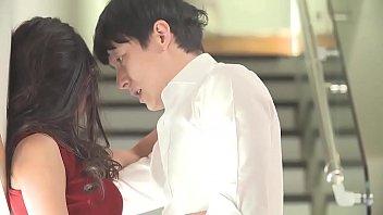 หนังเอ๊กส์ออนไลน์เกาหลี อ้ปป้าควยใหญ่เล่นรักกซอยหีกับสาวออฟฟิตตอนพักกลางวัน เห็นชุดละมันเงี่ยน