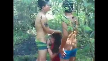Myanmar Porn เย็ดแฟนเพื่อนขัดแดงติดพนันบอลไว้จากพม่า โดนรุมเย็ดมาโม๊คควยกันในป่าละเมอะข้างบ้าน อมแล้วเย็ดสด