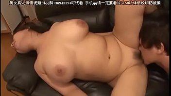 หนังโป้Av momลูกสายเย็ดแม่ตัวเองจากญี่ปุ่น หีใหญ่นมสวย โดนลงลิ้นดีเอวแอ่นหีสวยมาก ฟาดกระเด้าจนน้ำหีแฉะ