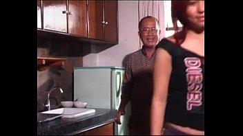 หนังRไทย เฒ่าหัวงู18 โบราณเก่าพวกแก่ๆชอบกินตับสาววัยรุ่น แค่เปย์เงินก็ได้ล่อเย็ดหีพวกเธอxvideoคันรูหี เด้าแปปเดียวแตกใน