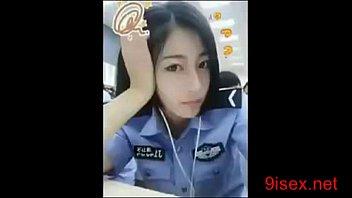 แอบเย็ดกับนายตำรวจสาวจีน มีคลิปหลุดว่อนxxxกับนักธุรกิจ เธอเลียหัวควยเต็มลำ แถมยังขึ้นขย่มกระดอแบบเร่าร้อนคันหีหรอจ้ะ