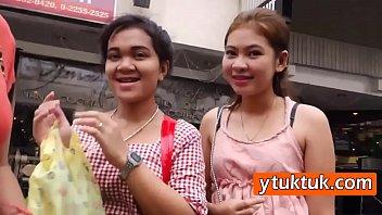 หนังโป๊ไทยแปลกๆ ขึ้นตุ๊กๆบอกอยากตีหรี่ พาไปหน่อย TukTuk 18+ ของแท้ไม่เทียม ขึ้นโรงแรมปี้กับสาวหีดำจากฝั่งอีสาน